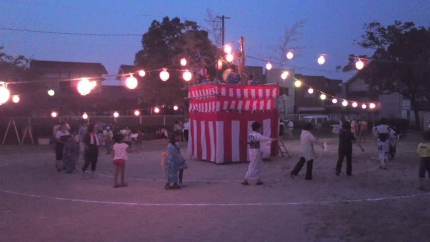 地元の盆踊り