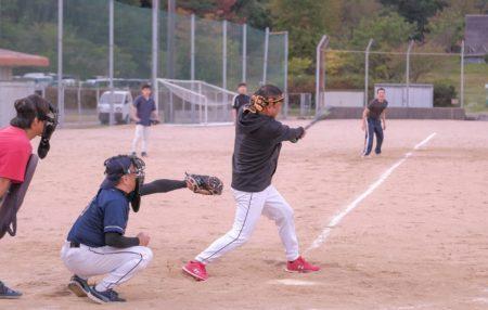実は野球も時々頑張ってます!